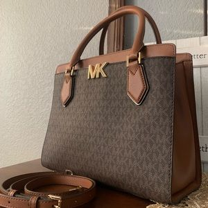 New Mk ❤️ large MOTT satchel brown Mk logo